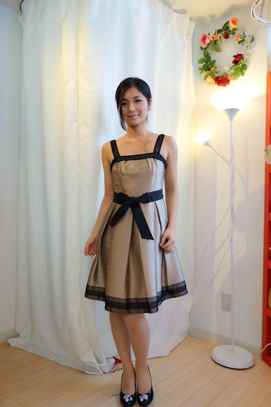 色違い(ゴールドブラウン DE003)ドレスです♪